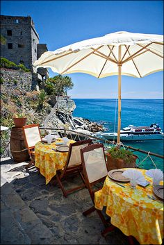 I want to see the world <3 Dining in Monterosso, Cinque Terre, Italy