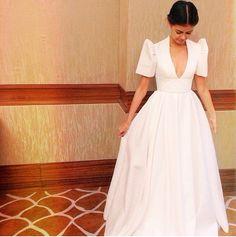 Terno Modern Filipiniana Gown, Filipiniana Wedding, Vania Romoff, Filipino Fashion, Grad Dresses, Designer Wedding Dresses, Wedding Gowns, Formal Gowns, Couture Dresses