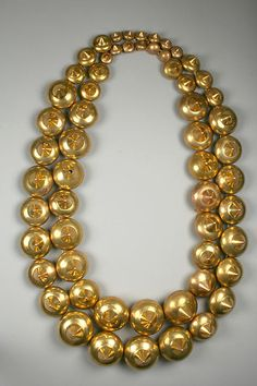 3th-7th century gold beads- Peru- Rockefeller collection