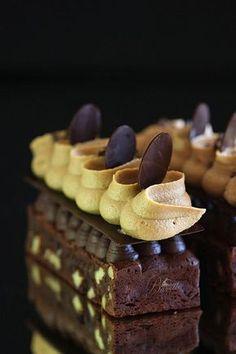 Brownie con crema de café y ganache de chocolate: