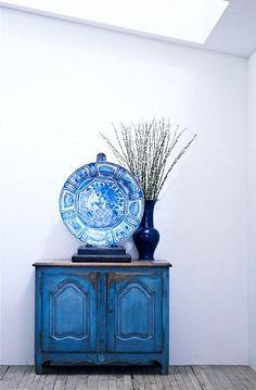 decoración + color: azul, blanco y madera