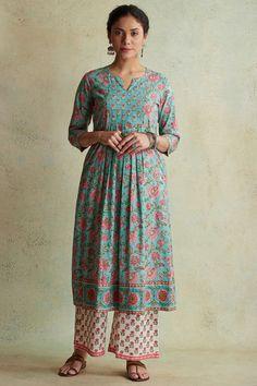 Designer Wear: Shop Designer Ethnic Wear by Farida Gupta Simple Kurti Designs, Stylish Dress Designs, Kurti Neck Designs, Kurta Designs Women, Stylish Dresses, Blouse Designs, Indian Gowns Dresses, Indian Fashion Dresses, Dress Indian Style