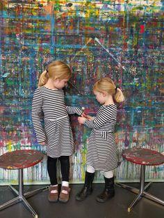 art workshops for kids on Sunday morningsat the Zürich Kunsthaus art museum 10:30am-12pm on Sundays for 12 chf each for children 5 and older.