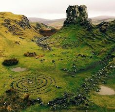 Fairy Glen, Isle of Skye, Scotland - ❤️🇪🇺 Ute - Nature travel Places Around The World, Oh The Places You'll Go, Places To Travel, Places To Visit, Vacation Places, Europa Tour, Fairy Glen, Scotland Travel, Ireland Travel