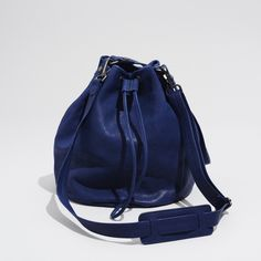 bucket bag -electric blue buffalo