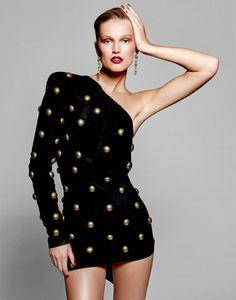 Toni Garrn, Fashion Models, High Fashion, Vogue Fashion, Givenchy Sweater, Thailand Fashion, Mode Editorials, Fashion Editorials, Metal Fashion