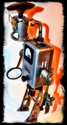 Robots - ittaesti - found object robot sculptures