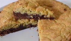Le brookies, un joli mix entre le brownie et le cookie, c'est juste trop trop bon... Une texture fondante et moelleuse avec le brownie et une texture croquante sur le dessus avec le cookie. On n'en mange pas tous les jours non plus, alors profitez-en !