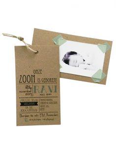 Fotokaart met uitnodiging #Vintage Geboortjekaartje meisje jongen birth announcement card Famme.nl