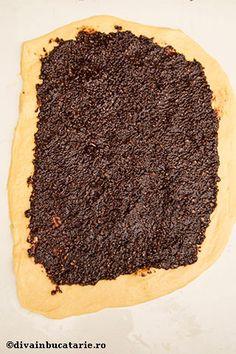 COZONAC INSIROPAT | Diva in bucatarie Food Cakes, Cake Recipes, Desserts, Recipes, Cakes, Tailgate Desserts, Deserts, Recipes For Cakes, Postres