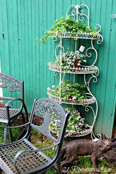metal plant stand - use an old baker's rack to hold plants Porch Garden, Garden Junk, Garden Planters, Garden Art, Garden Design, Home And Garden, Outdoor Bakers Rack, Metal Plant Stand, Plant Stands