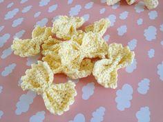 Too much tulle blog | Hæklet legemad Crochet Food, Crochet For Kids, Crochet Crafts, Crochet Baby, Knit Crochet, Play Food, Diy Baby, Educational Toys, Craft Fairs