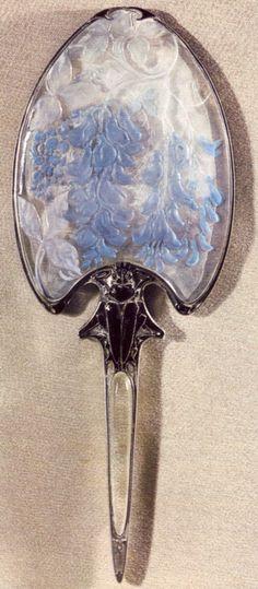 Lalique_espelho de mão.  Seems to be letter opener.