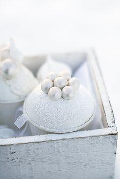 Rose pearl cupcakes.