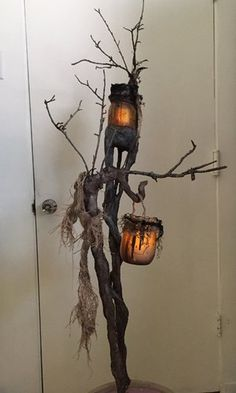Halloween it's coming, are you busy decorating your home? Just make your halloween craft with this stunning idea Voodoo Halloween, Halloween Forum, Fete Halloween, Halloween Trees, Outdoor Halloween, Diy Halloween Decorations, Holidays Halloween, Halloween Crafts, Diy Halloween Props