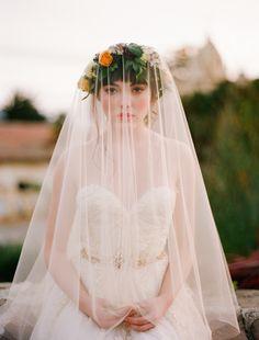 The Ultimate Guide to Bridal Veils: The Fingertip Veil | Bridal Musings Wedding Blog