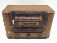 Vintage Philco 42-327 Tube Radio 1942