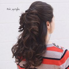Halfup half down bridal hairstyle