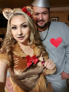 Couples costumes. Wizard of Oz The cowardly lion and the tin man.