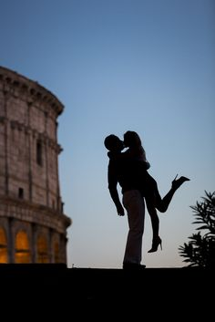#Engagement photography. Silhouette couple in Rome. Picture by Andrea Matone photography.