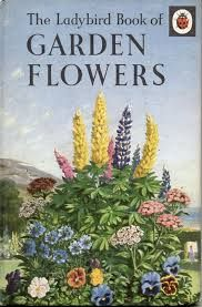 wallacegardens: The Ladybird Book of Garden Flowers by Brian Vesey-Fitzgerald, illustrator: John Leigh-Pemberton (Series Wills & Hepworth). Vintage Book Covers, Vintage Children's Books, Antique Books, Vintage Library, Vintage Artwork, Vintage Items, Vintage Gardening, Gardening Books, Book Cover Art