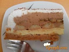 Recept za Sinišinu tortu. Za spremanje torte neophodno je pripremiti margarin, šećer, belanca, plazmu, sok od pomorandže, žumanca, čokoladu, šlag, banane, piškote.
