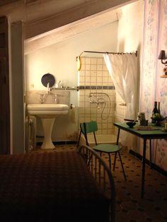 Michel Perez miniature servant's room - seen at the http://www.museeminiatureetcinema.fr/accueil_eng.html