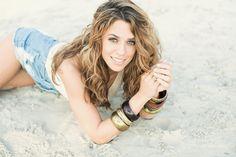 """Auf VANESSA MAIs Himmel strahlt die Sonne derzeit wolkenfrei. Am 15. April veröffentlichte sie ihr neues Album """"Für Dich"""", das sogleich von 0 auf Platz 4 http://www.promi-ok.de/2016/04/25/vanessa-mai-weiter-steil-nach-oben/"""