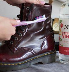 Limpiar zapatos de piel con agua y vinagre