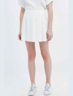 Mini jupe plisée blanche 52€