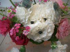 Delicados perritos. Mascotas florales.
