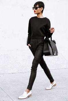 why in the world, I told myself, women feel they should always wear heels to look put together? That's just not true, and it seems the world of fashion has finally come to the same conclusion deciding that flats are also worthy of a professional look! Read more on femalejungle.com