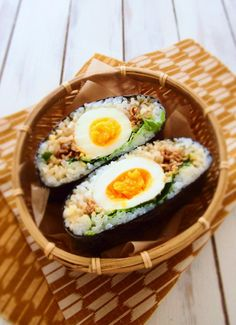 Easy-to-eat Onigirazu (Rice Sandwiches) with Lots of Fillings:This is a recipe for easy-to-eat Onigirazu, perfect for snacking. The addition of boiled eggs makes it look nice and feel more substantial. Provided by OYSHEE - easy recipes -