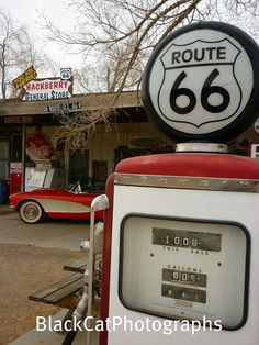 Route 66 photograph of an antique gas pump, Old Gas Pumps, Vintage Gas Pumps, Vintage Signs, Vintage Cars, Vintage Style, Route 66, Petroleum Engineering, Old Gas Stations, Oil Industry