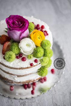 Naked Cake – Kaplamasız Pasta nasıl yapılır ? Ayrıca size fikir verecek 2 yorum var. Tarifin püf noktaları, binlerce yemek tarifi ve daha fazlası...