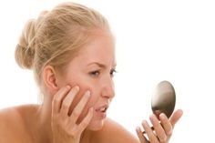 Acne And Oily Skin Get Rid Of Your Acne For Good! Acne is a nightmare cosmetic problem for sure. Many acne patients somet. Homemade Acne Treatment, Facial Treatment, Home Remedies For Acne, Acne Remedies, Acne Skin, Oily Skin, Sensitive Skin, Acne Scars, Skin Care Products