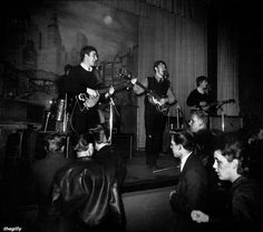 Star Club, Hamburg, 28 December 1962 The Beatles' five residencies in Hamburg during 1960 to 1962 allowed the Liverpool band to develop their performance ski. The Beatles Live, Les Beatles, Beatles Museum, Beatles Art, Great Bands, Cool Bands, Beatles Photos, Teddy Boys, The Fab Four