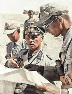 German Soldiers Ww2, German Army, Afrika Corps, Erwin Rommel, Field Marshal, Ww2 Photos, The Third Reich, Martial Artists, Military Art