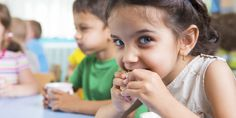 What should be on your kid's plate? A healthy diet helps children grow and learn. Learn more about nutrition for children. Healthy Lunches For Kids, Healthy Eating Habits, Healthy Snacks, Lunch Kids, Snacks Kids, Nutritious Snacks, Kids Nutrition, Nutrition Tips, Nutrition Poster