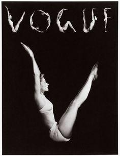 Horst P Horst, Vogue 1940, model: Lisa Fonssagrives