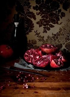 Pomegranate / Katie Quinn Davies by francesca-caas