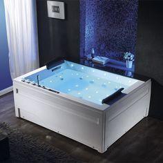 Profitez d'un grand espace bain pour des moments de détente à deux au cœur de votre maison. Qui veut sa thalasso à domicile? #baignoire #balnéo #salledebain
