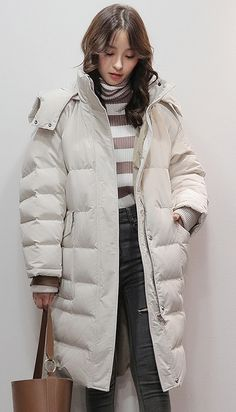 women beige white goose Down coat casual big pockets snow jackets warm coats Japan Winter Fashion, Korean Fashion Winter, Bubble Jacket Outfit Winter, Winter Outfits Korea, Japan Outfits, Snow Day Outfit, Jenifer Aniston, Winter Fits, Korea Fashion