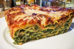 Spinatlasagne Spinach lasagna, a delicious recipe from the vegetables category. Lacto Vegetarian Diet, Vegetarian Recipes, Healthy Recipes, Pizza Recipes, Easy Dinner Recipes, Easy Meals, Lasagna Vegetariana, Spinach Lasagna, Lasagna Food