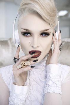 Ivy levan- Cool futuristic vampy look. Photoshoot Inspiration, Makeup Inspiration, Makeup Ideas, Goth Makeup, Hair Makeup, Futuristic Makeup, Bow, Lip Art, War Paint