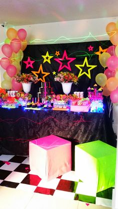 Festival after party decor Neon Birthday, 13th Birthday Parties, Slumber Parties, Birthday Party Themes, Zumba Party, 80s Party, Disco Party, Glow In Dark Party, Glow Party