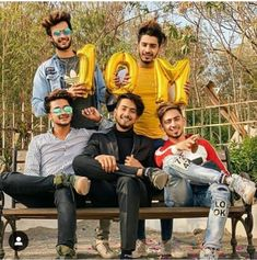 Say Maa Shaa Allah 😍❤ Photo Poses For Boy, Boy Poses, How To Look Handsome, Handsome Boys, Photoshoot Pose Boy, Musically Star, Teen Celebrities, Celebs, Image Hd