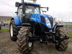 The #NewHolland T7.185 #tractor! For more used New Holland tractors, check out http://www.agriaffaires.co.uk/used/farm-tractor/1/4046/new-holland.html