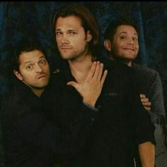 But Jensen's face ...I can't stop laughing :D  #SupernaturalCast