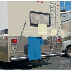 Really want to make a PVC version of this:  Bumper Mount RV Clothesline